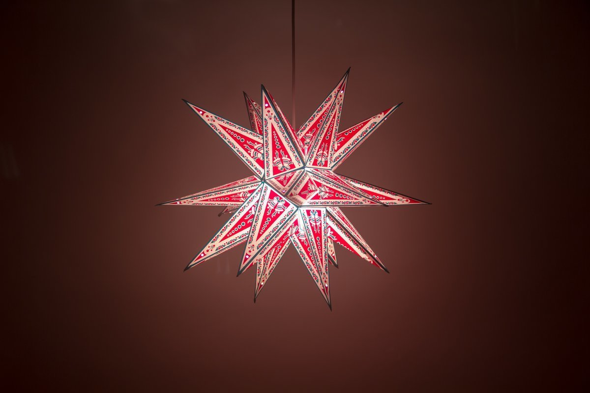 Supernova Christmas Special Paper Star Light Shades & Lanterns Lit Up