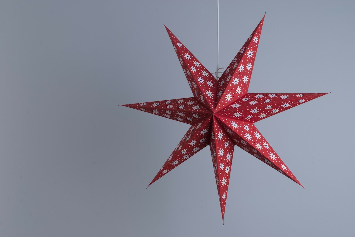 Spirit Scarlet Paper Star Party Decorations